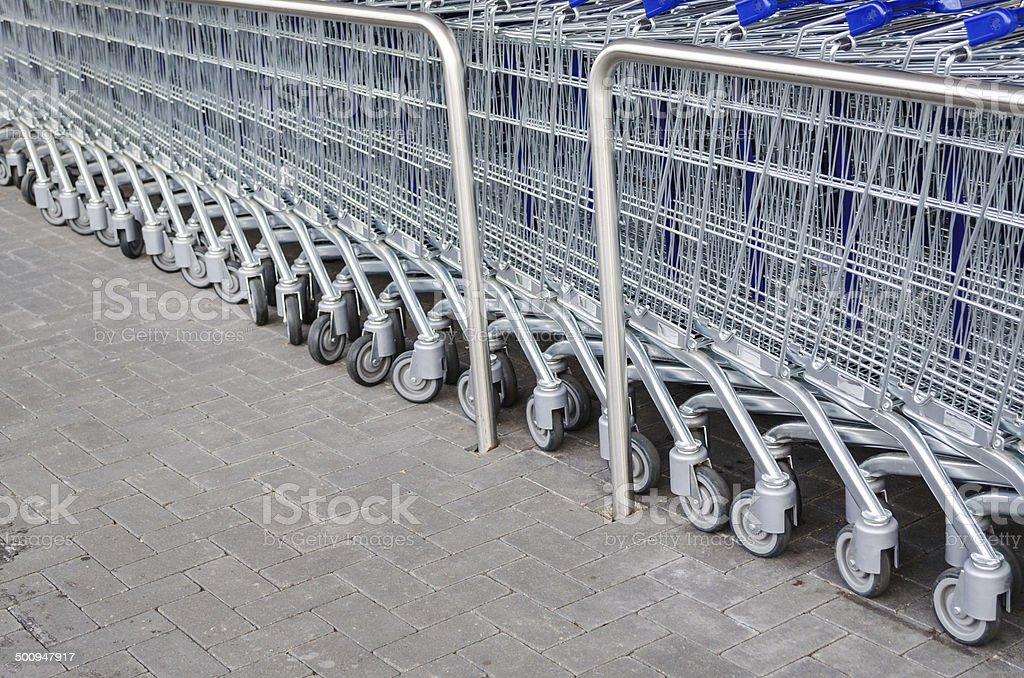 Leere Einkaufswagen stock photo