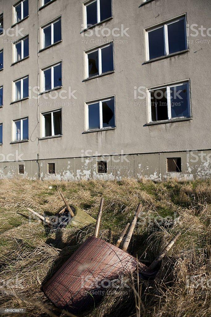 leerstehender Plattenbau, lost places stock photo