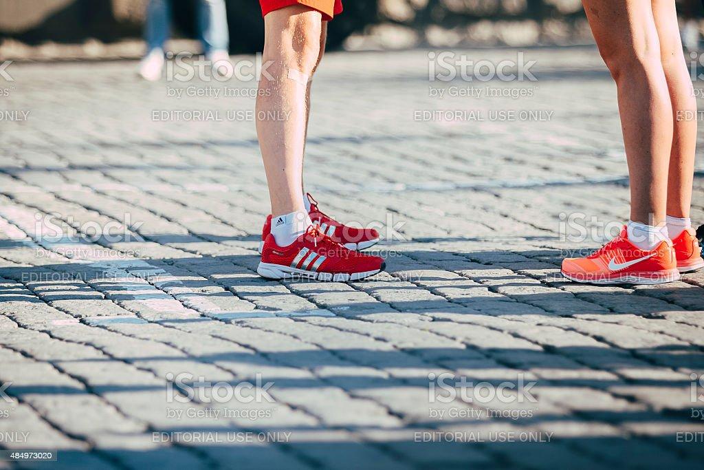 레그스 밝은 실행 신발도 royalty-free 스톡 사진