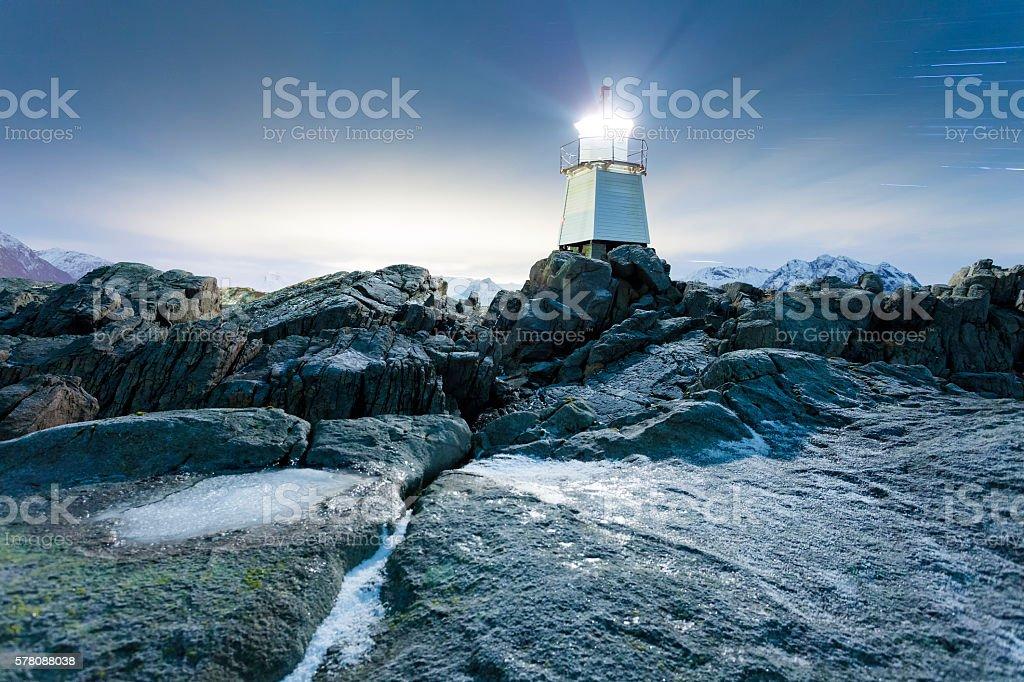 Leuchtturm auf den Klippen stock photo