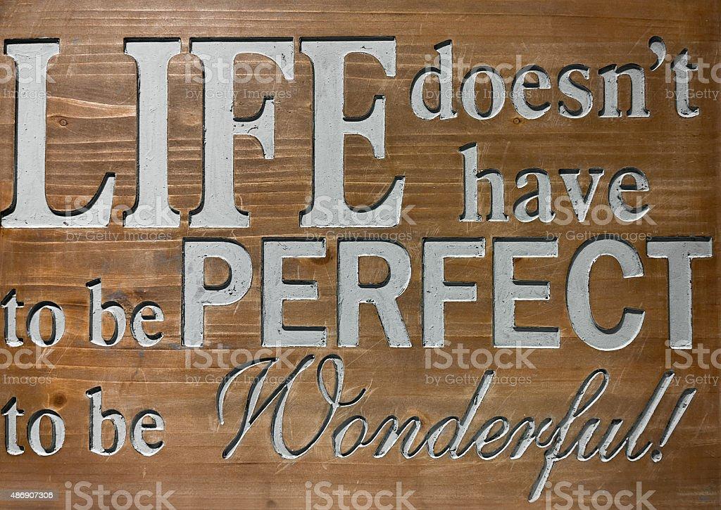 Vida cotação na placa de madeira. foto royalty-free