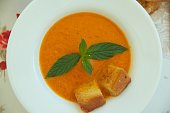 Light lunch soup- tomato soup with croutons