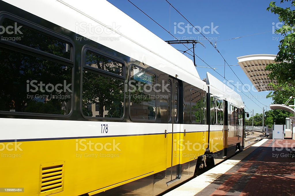 Trenes Light Rail foto de stock libre de derechos