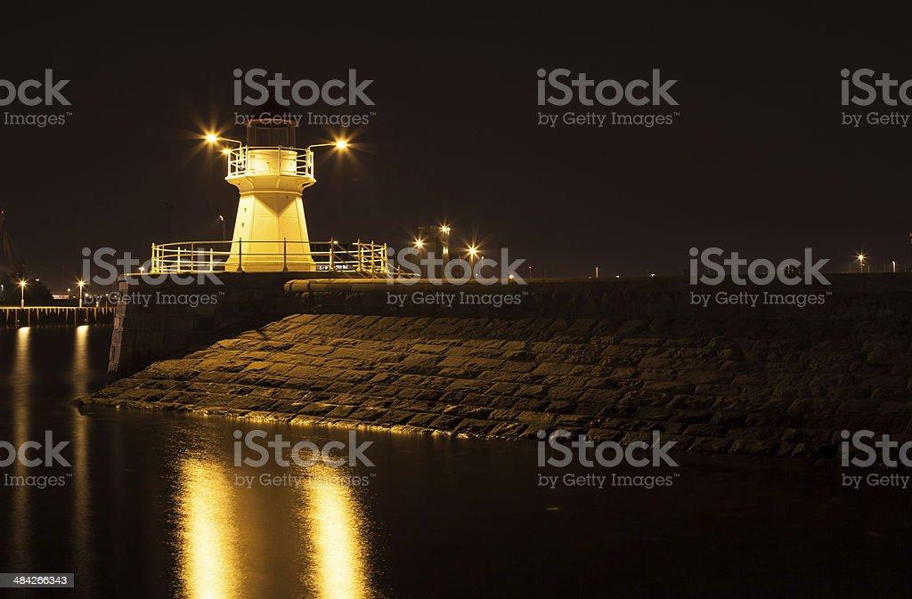 Faro de noche foto de stock libre de derechos