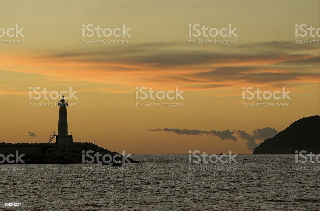 Faro nel crepuscolo foto stock royalty-free