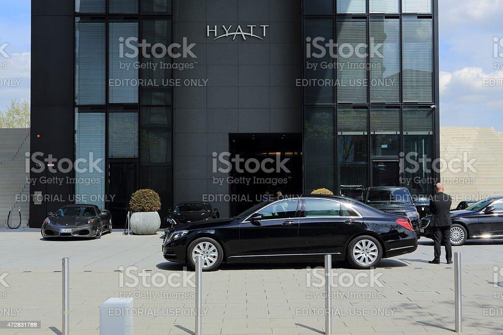 limousines at the Hyatt hotel in Dusseldorf stock photo
