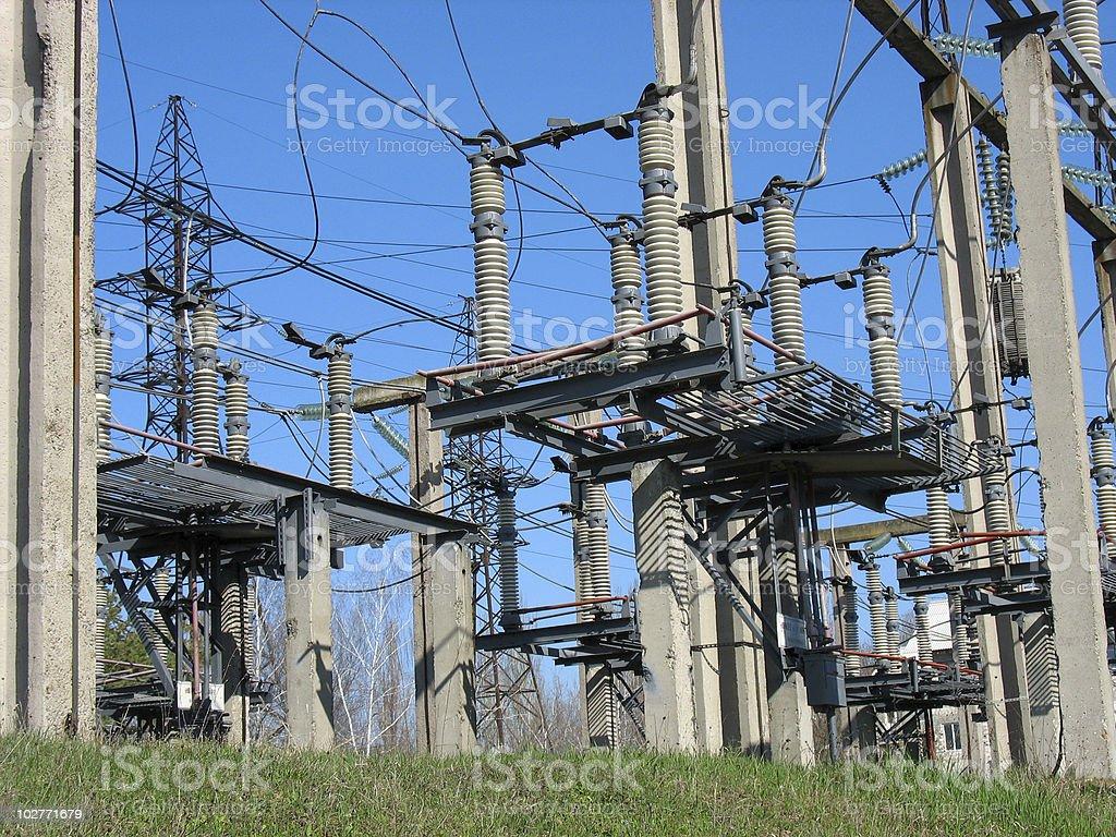 Linha de alta tensão, conversores eléctricos equipamento foto de stock royalty-free