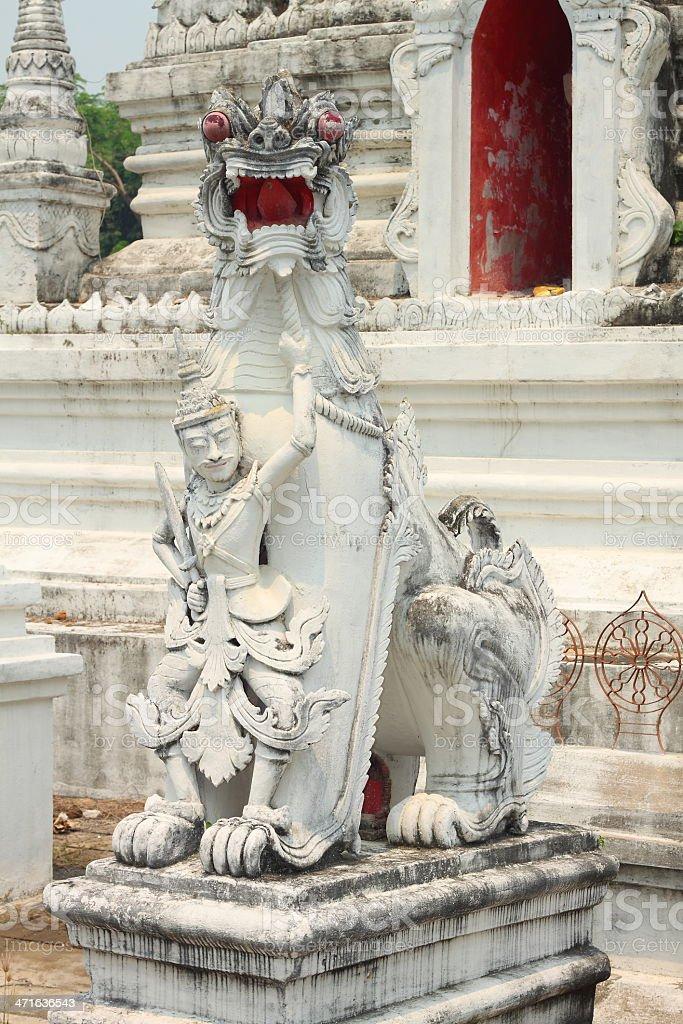 Lew i Anioł Trzymając Miecz Rzeźba zbiór zdjęć royalty-free
