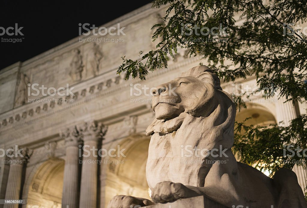 Lion sculpture and facade of the New York Public Library stock photo
