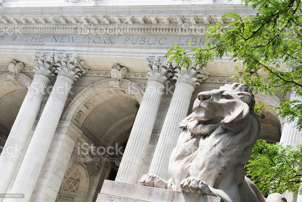 Lion statue and facade of the New York Public Library stock photo