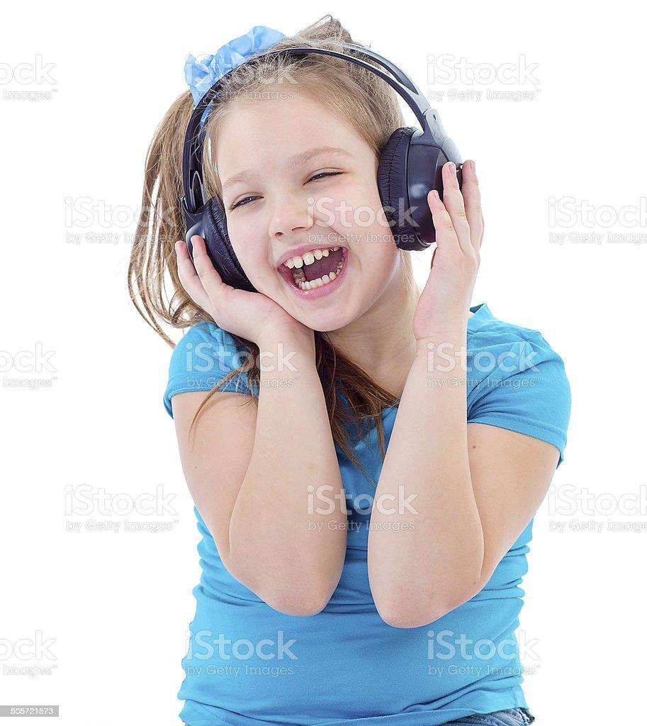 Petit enfant dans un casque isolé sur blanc photo libre de droits