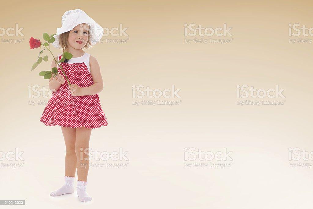 Petite fille dans une chambre photo libre de droits