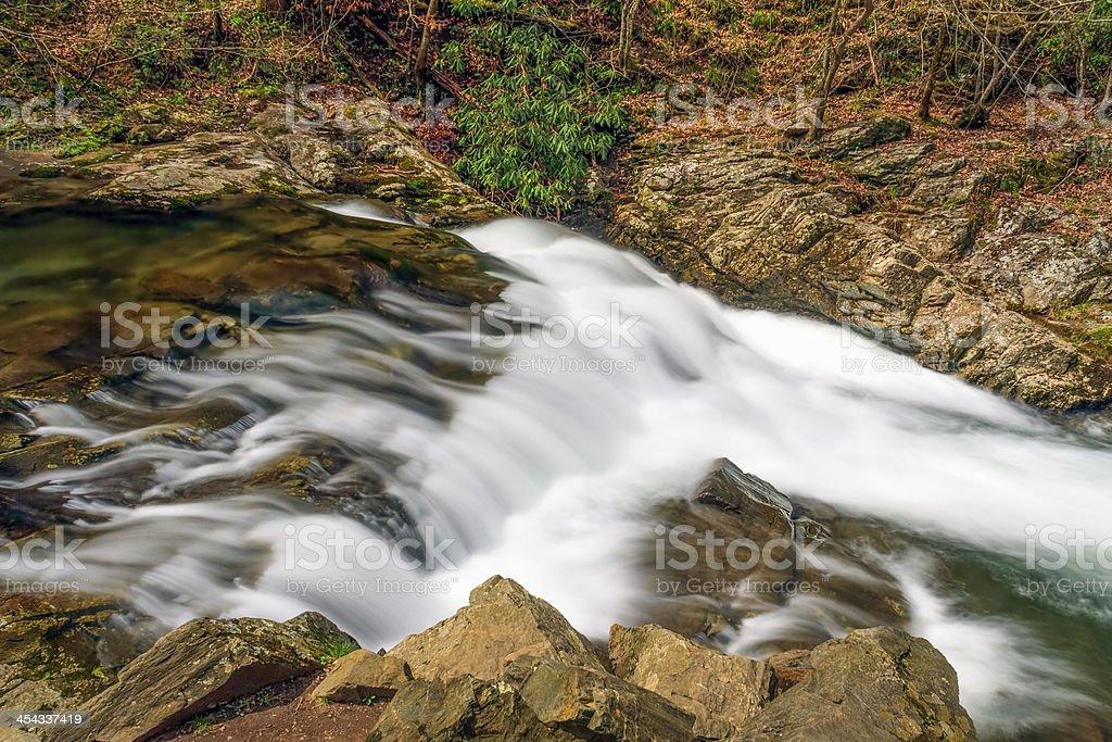 Piccolo fiume cascata foto stock royalty-free