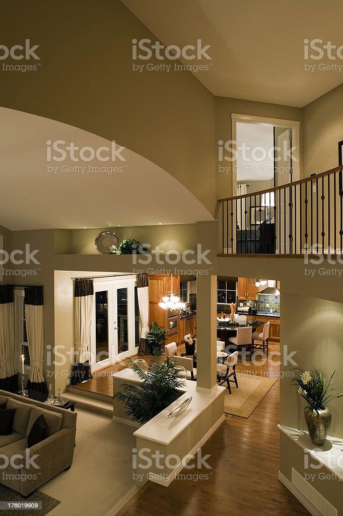 Sala de estar y cocina mansion house vista de arriba clase media ...