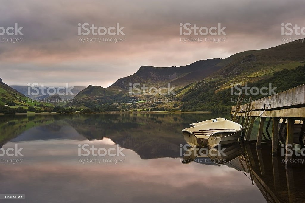 Llyn Nantlle at sunrise looking towards Snowdon royalty-free stock photo