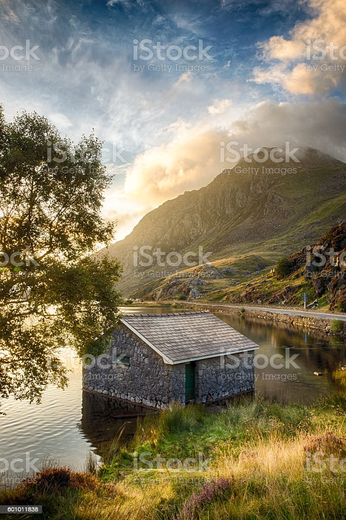 Llyn Ogwen Lake at sunrise stock photo