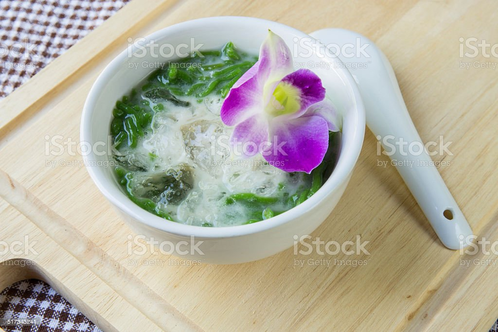 Lod chong, rice noodles made of rice eaten stock photo