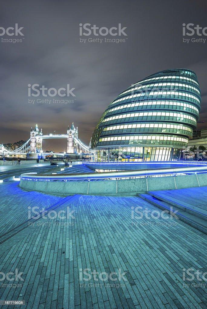 London Bridge and town hall at dusk royalty-free stock photo
