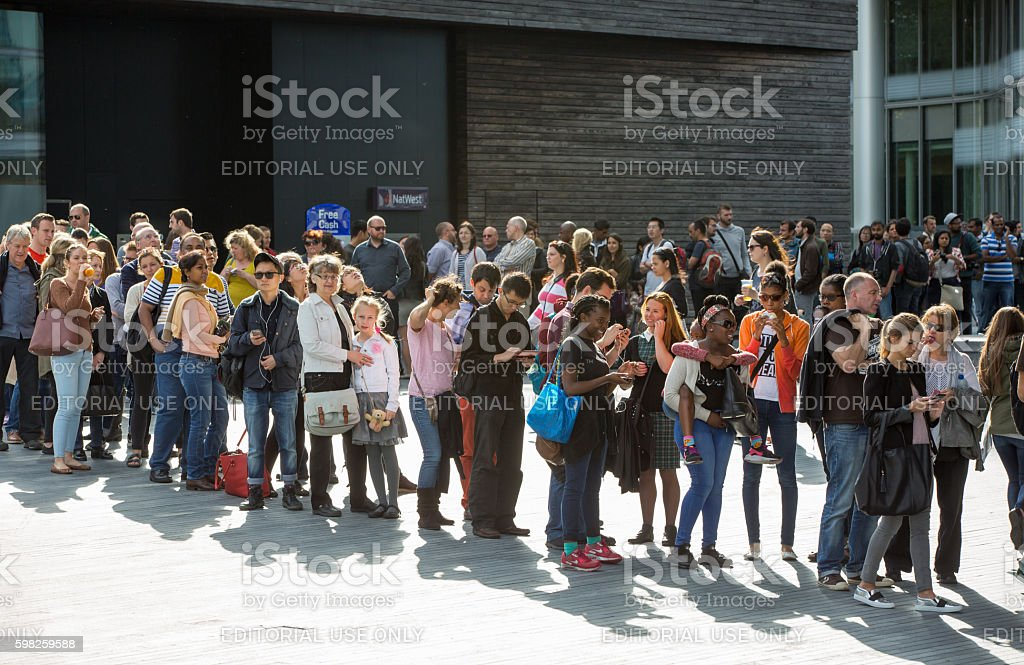 London, long queue to the London Hall stock photo