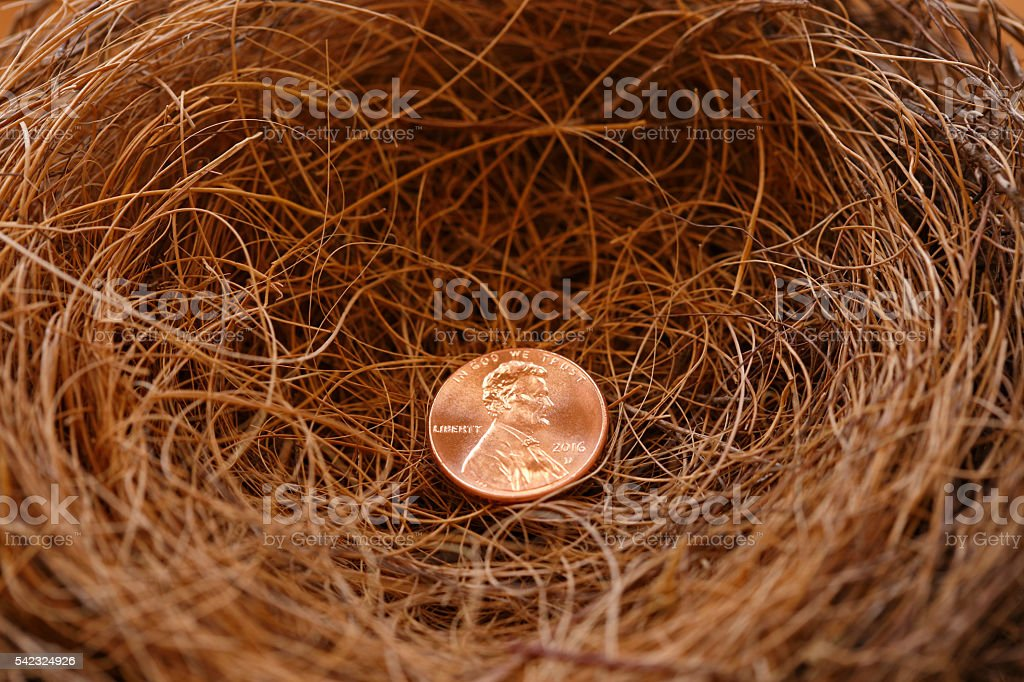 Einsamer Penny am Ende der Nest – Foto