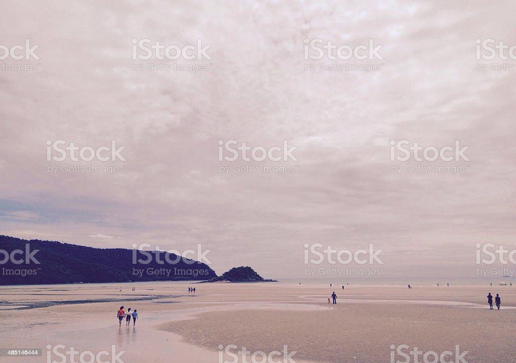 Одиночество сепия тон, закат на пляже Стоковые фото Стоковая фотография