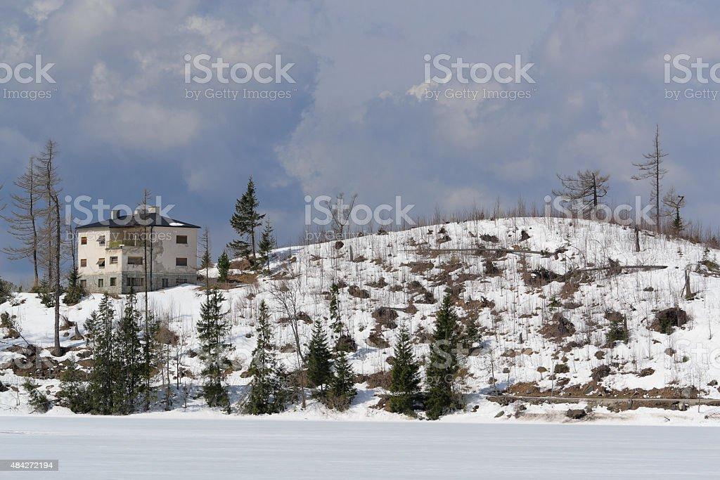 Lonely Asamblea en Strbske Pleso foto de stock libre de derechos