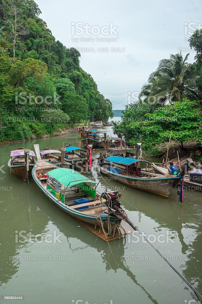 Long tail boats at Ao Nang pier in Krabi, Thailand photo libre de droits