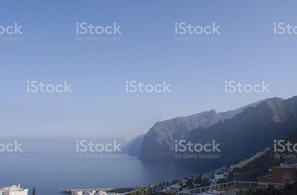 Scogliera, Tenerife Los Gigantes foto stock royalty-free