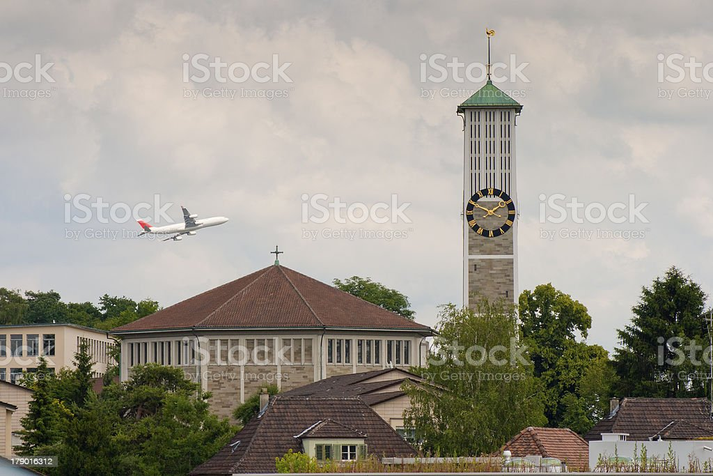 Low altitude commercial flight royalty-free stock photo