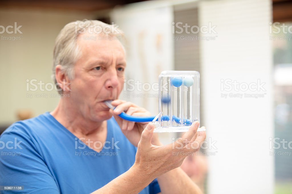 Lung function test by using Triflow stock photo