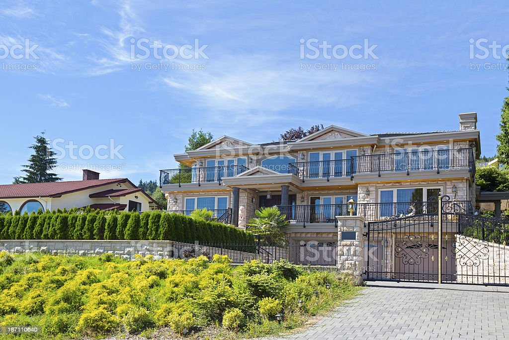 Luxury contemporary home in expensive subdivision  RM royalty-free stock photo
