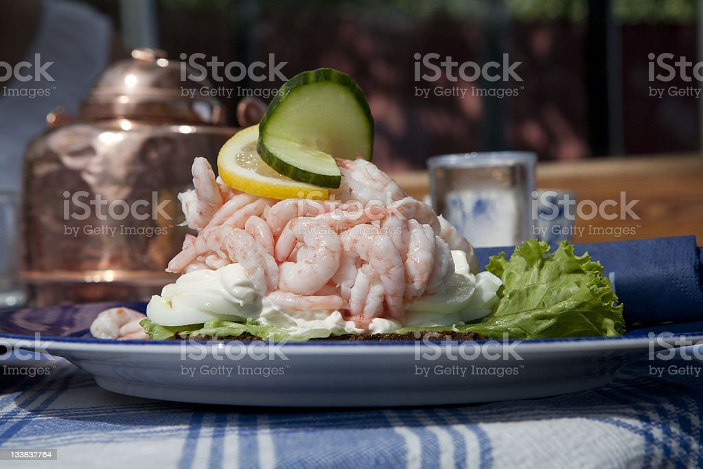 Luxus, leckere, schwedische Shrimp-sandwich an. Lizenzfreies stock-foto