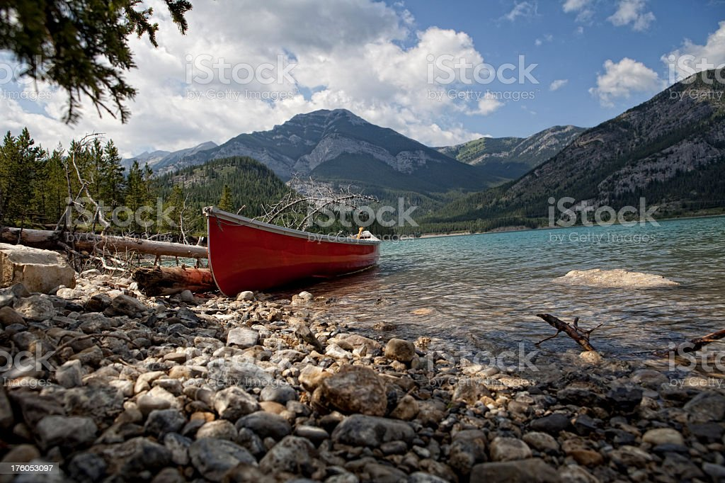 HQ Lypse - Canoe on Barrier Lake, Kananaskis County, Canada stock photo
