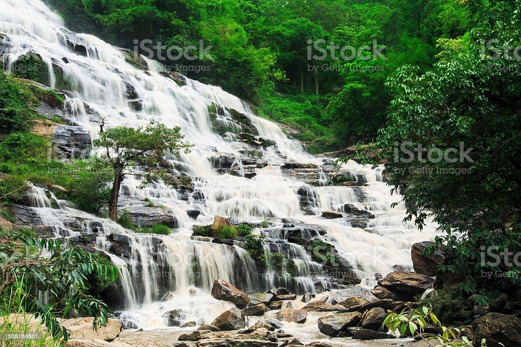 Mae Ya Wasserfall Lizenzfreies stock-foto