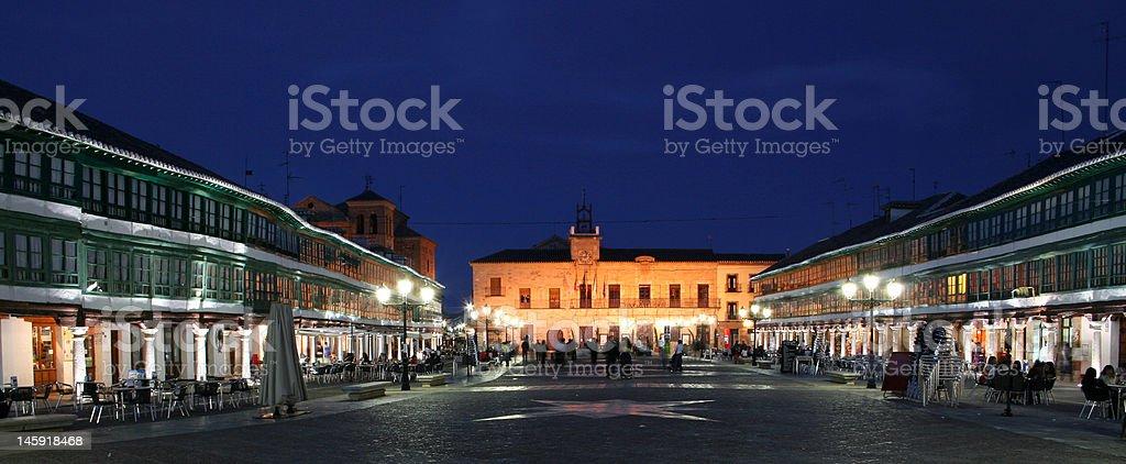 メイン広場(マヨール広場)、スアルマグロ、Valdepeñas、スペイン ロイヤリティフリーストックフォト