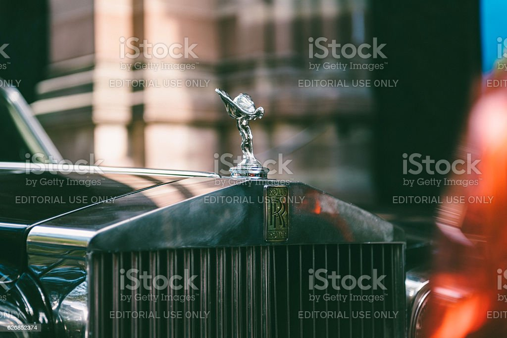 Main Victory insignia logo Exclusive Luxury Rolls-Royce car limousine stock photo