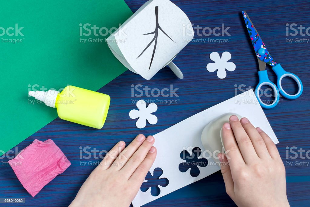 Making gift box by the child for Mother\'s Day. Children\'s art...