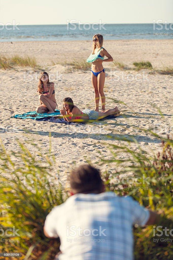 Showoff bikini contest