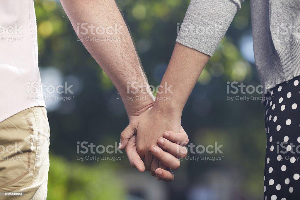 Мужские женские руки