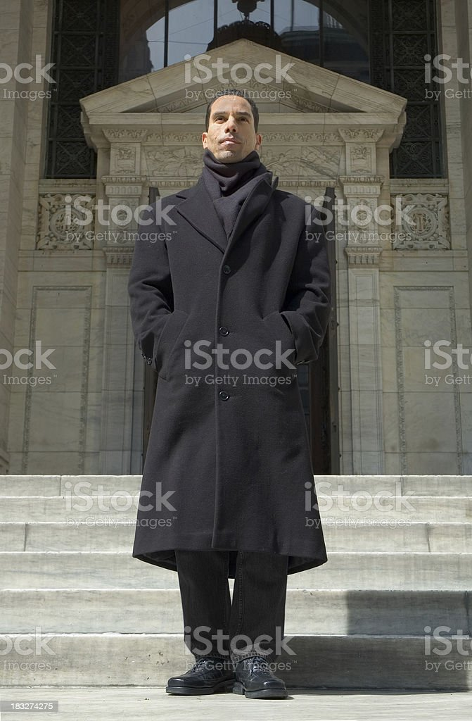 Uomo davanti edificio - 3 foto stock royalty-free