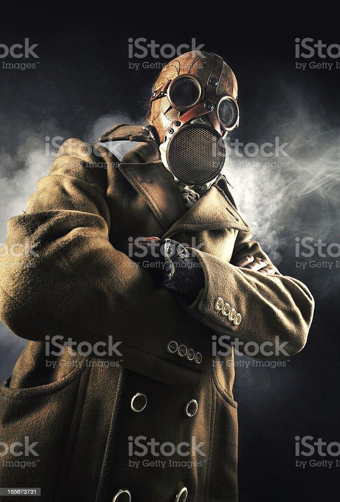 Homme dans un Masque à gaz photo libre de droits