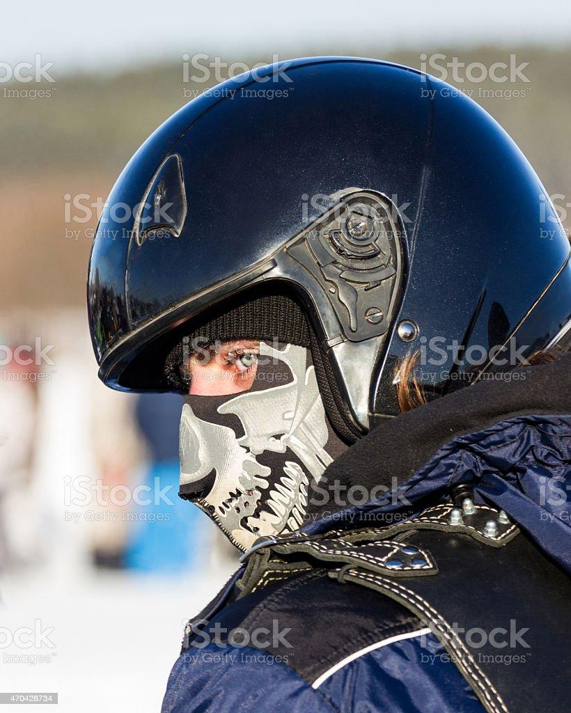 Hombre en casco foto de stock libre de derechos