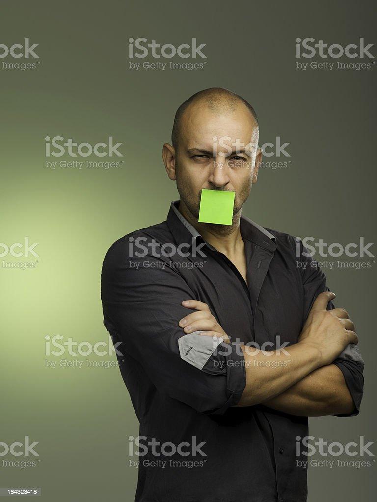 Uomo post-it odio foto stock royalty-free