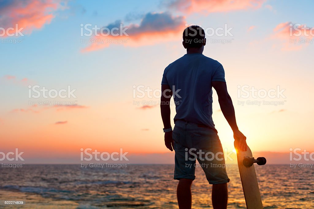 colorful lifestyle photo of a skateboarder