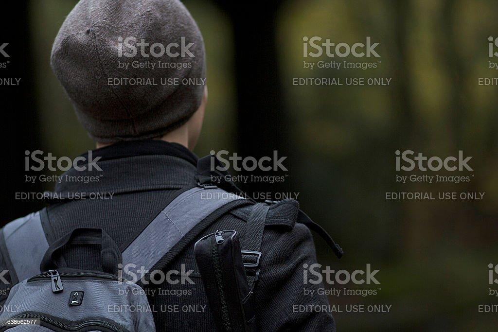 Uomo a piedi dal Canale di Regent foto stock royalty-free