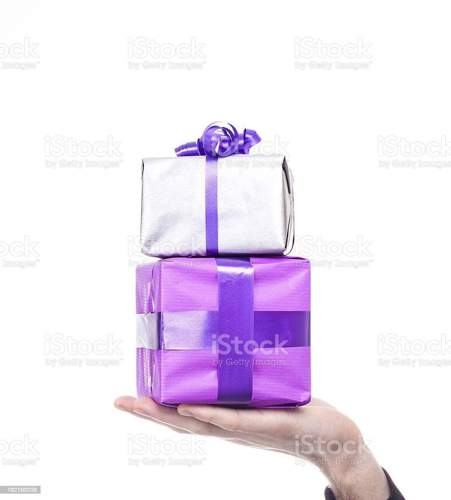Hombre Mano agarrando regalos foto de stock libre de derechos