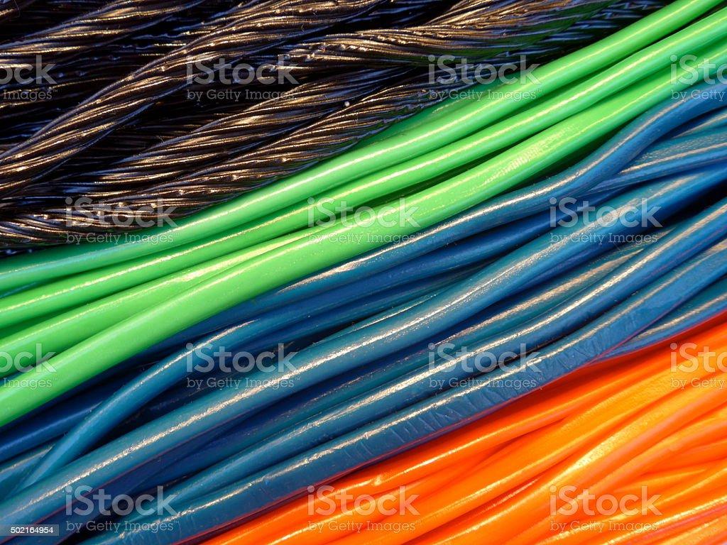 Muchos colorido, sweet jelly snakes y cintas foto de stock libre de derechos
