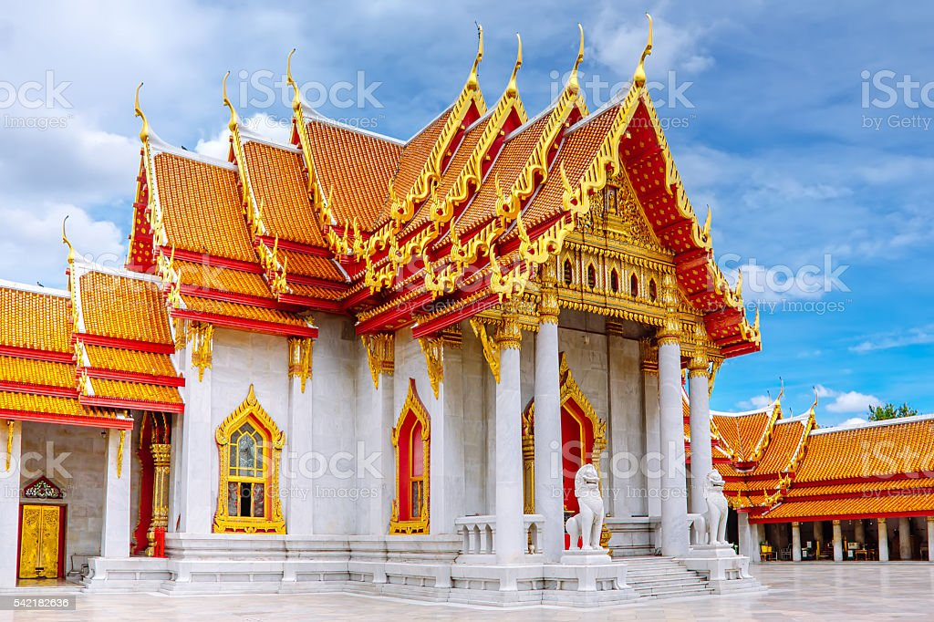 Marble temple. One of Bangkok's most beautiful temples foto royalty-free