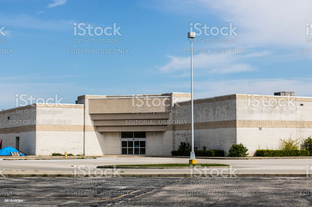 Marion - Circa April 2017: Recently shuttered Sears Retail Mall Location. According to a regulatory filing, Sears Holdings Corp. lost more than $2 billion in 2016 X stock photo