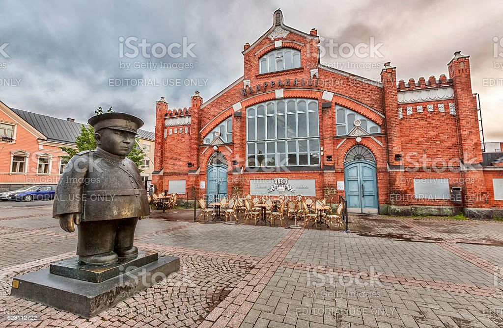 Market Square with Policeman statue (Toripolliisi)  in Oulu stock photo